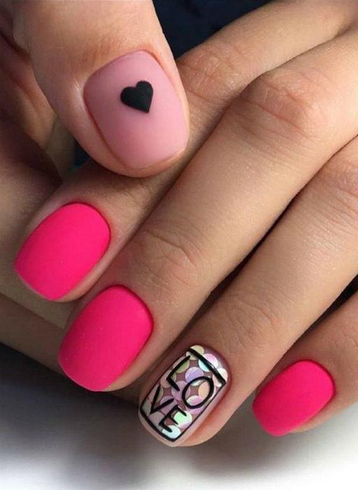 Броский маникюр в розовом цвете. | Фото: LadyNails.