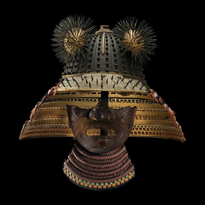Защита для лица и шлем самурая из Йельского музея естественной истории Пибоди