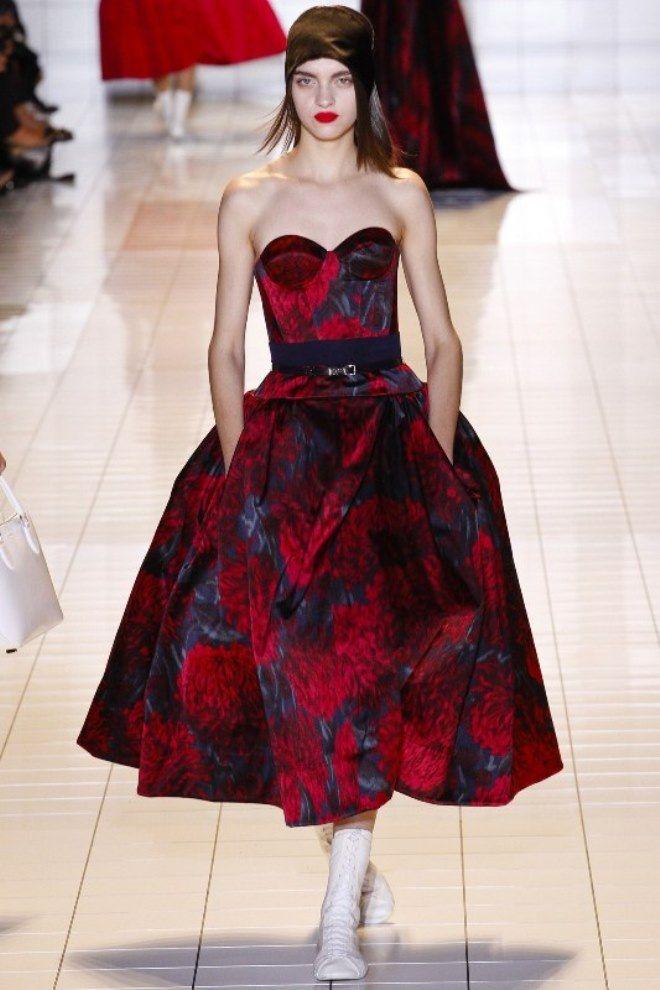 Современное платье в стиле ретро