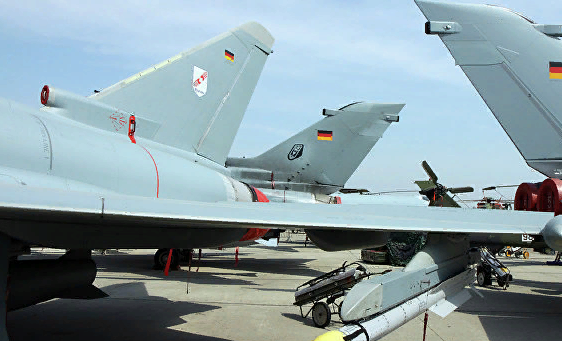 От винта. США заставляют немцев тоже бомбить Сирию. Михаил Шейнкман