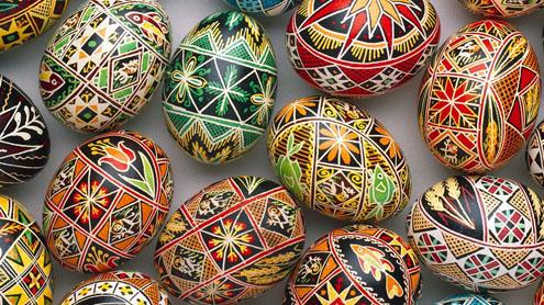 Красим пасхальные яйца (чистый четверг)