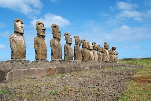 Самые таинственные статуи в мире