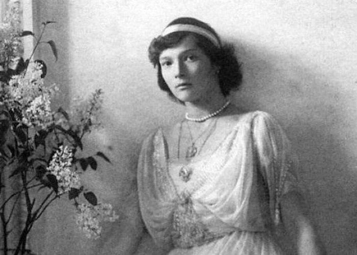Татьяна Романова – любимая дочь императора, ставшая сестрой милосердия и принявшая мученическую смерть