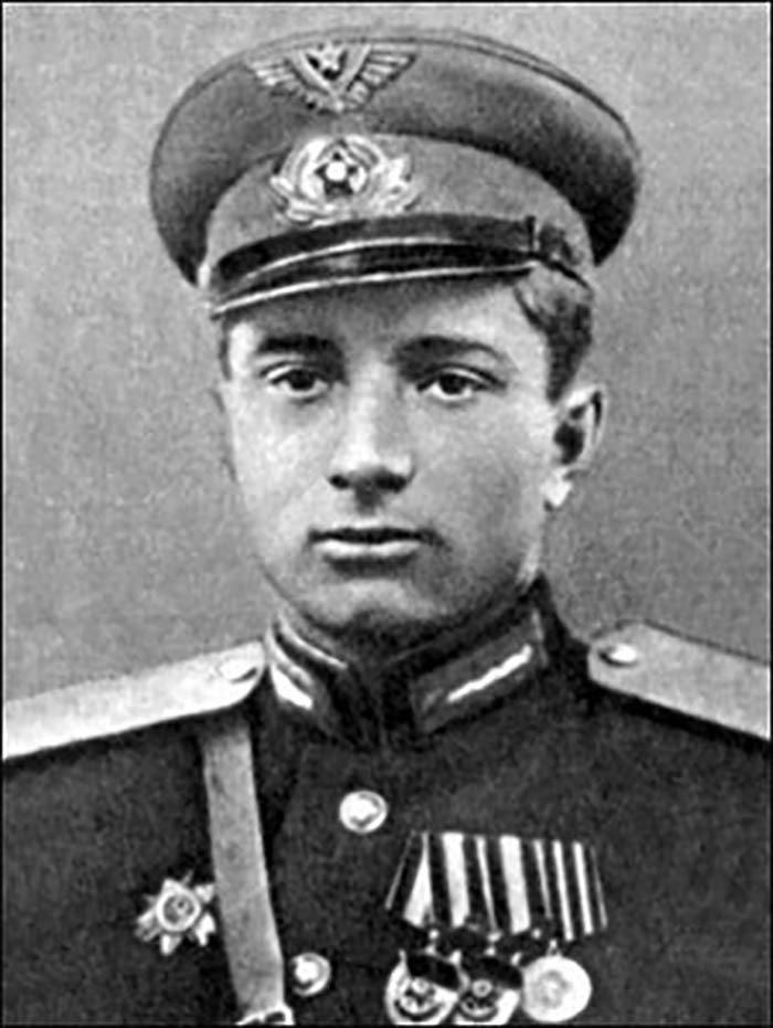 Лётчик- штурмовик Владимир Гуляев