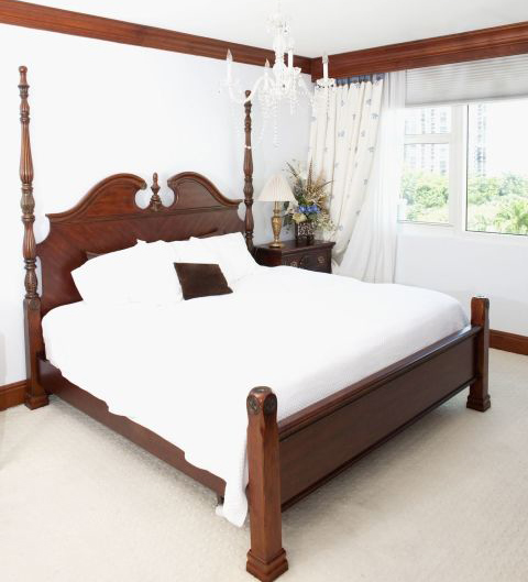 1490289594-home-trends-giant-headboards-1490208383