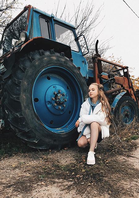 Борьба с анорексией, принятие себя и прелести деревенской жизни: почему Туся Землянихина стала популярна в сети СоМнойВсеТак,Хроника