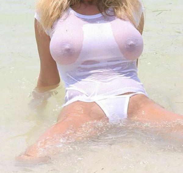 развратные мокрая одежда большая грудь фото видео