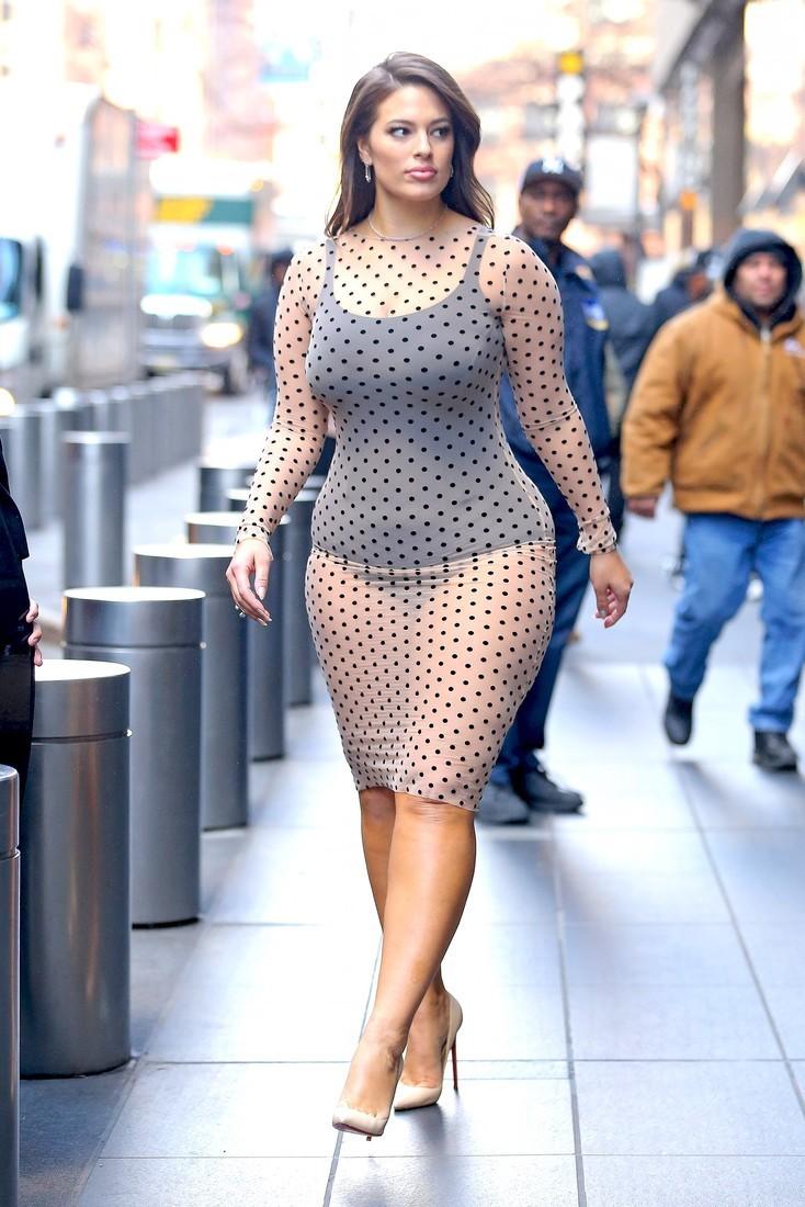 Фото толстушки под платьем, жесткий секс с натали