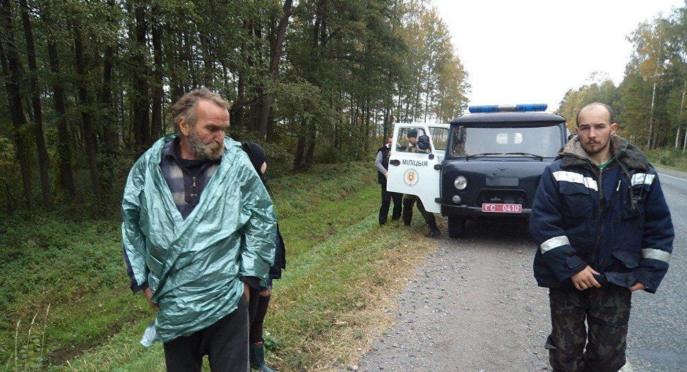 Партизанен: Тракториста, блуждавшего 3 месяца в лесах Белоруссии с куском целлофана, уволили за прогулы