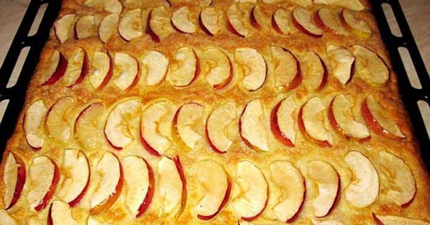 Нежный пирог с яблоками за 2…