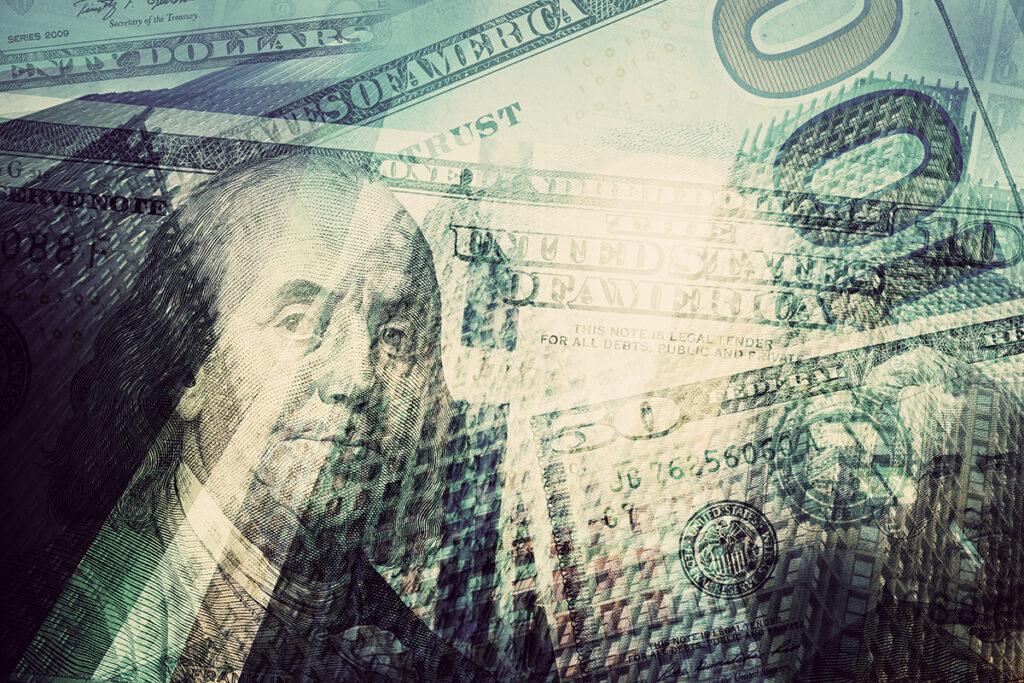 Курс доллара обновил годовой минимум