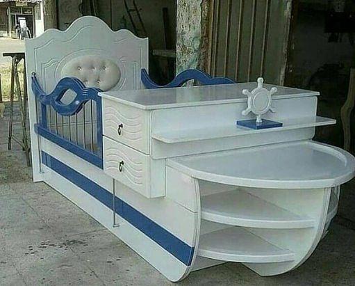 И кроватка детская, и столик пеленальный, всё под рукой! А Вам нравится такой вариант?