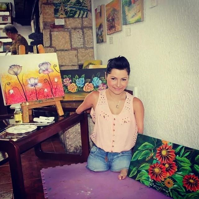 Посмотрите на жизнь этой девушки и скажите после этого, что у вас проблемы инвалид, история, сила духа, художница