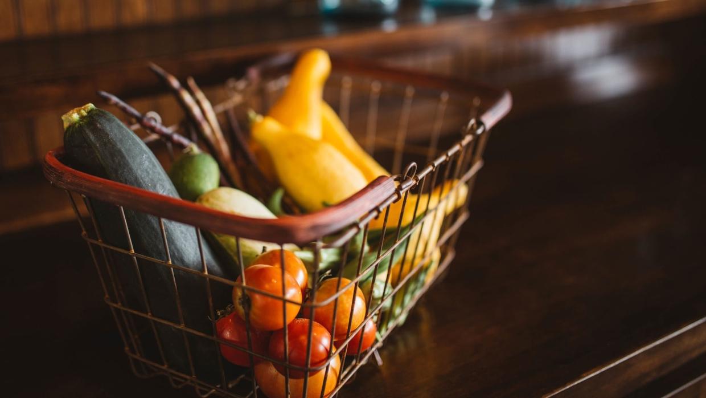 Звездный диетолог Королева рассказала, какие продукты могут поднять настроение осенью Общество