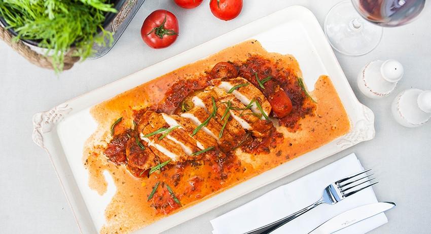 Сочный стейк из индейки с овощами