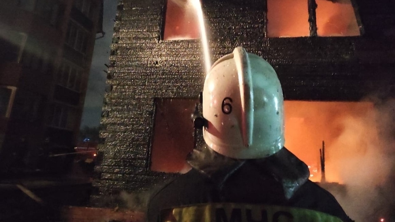 Пожар в жилом доме унес жизнь одного человека в ХМАО Происшествия