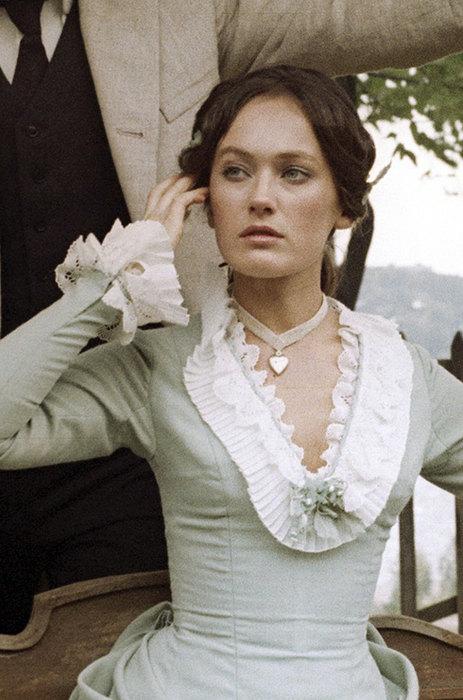 Как менялась Лариса Гузеева: от «Жестокого романса» до «Давай поженимся!» актриы,знаменитости,красота,Лариса Гузеева,мода и красота
