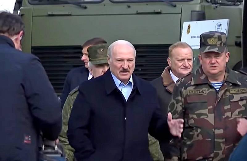 Лукашенко о создании новой ракеты: Мы не будем стоять на коленях перед Россией