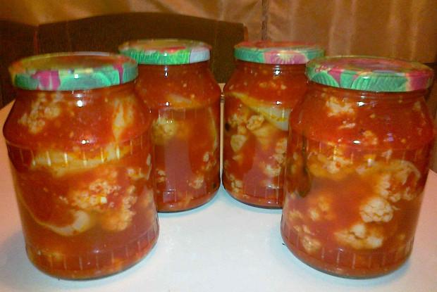 Фото к рецепту: Салат из цветной капусты на зиму