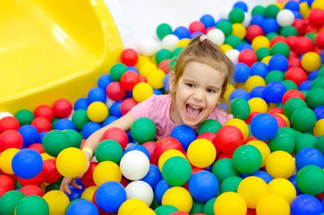 Площадка строгого режима. Какие опасности таят детские игровые комнаты в ТЦ