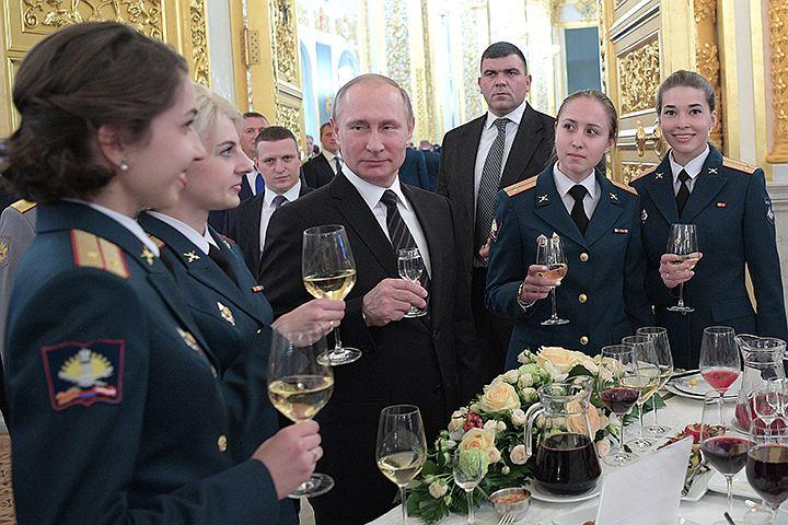 Владимир Путин: «Продолжим укреплять военную мощь, чтобы защититься от давления и шантажа»