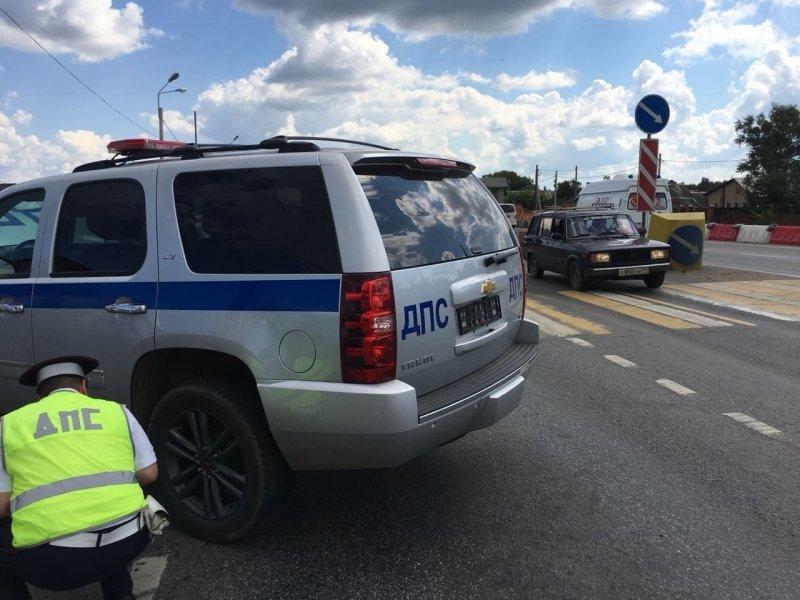 Авария дня. Полицейский внедорожник столкнулся с мотоциклом в Балашихе авария, авария дня, авто, авто авария, видео, дтп, мотоциклист, полиция