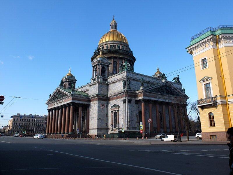 Утренняя прогулка по Санкт-Петербургу