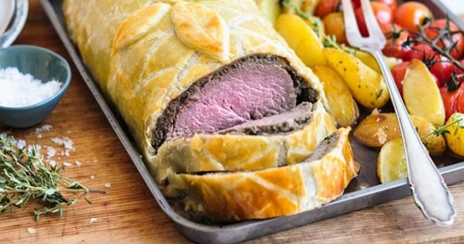 Мясо в тесте — рецепты запеченной свинины, говядины, курицы в духовке, на сковороде и на пару