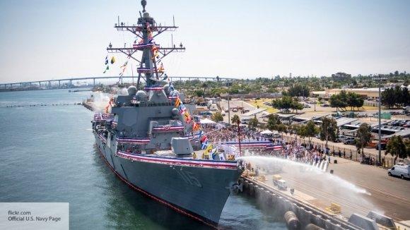 Эксперт об эсминце США в Чер…