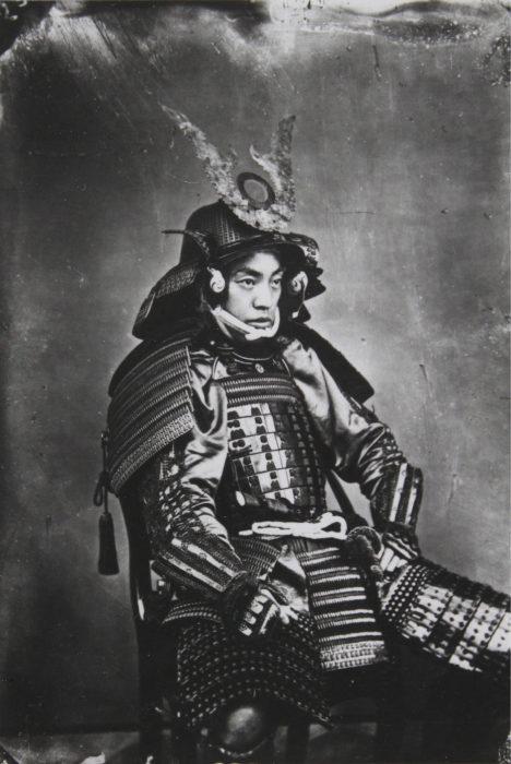 Самурай в полной амуниции.