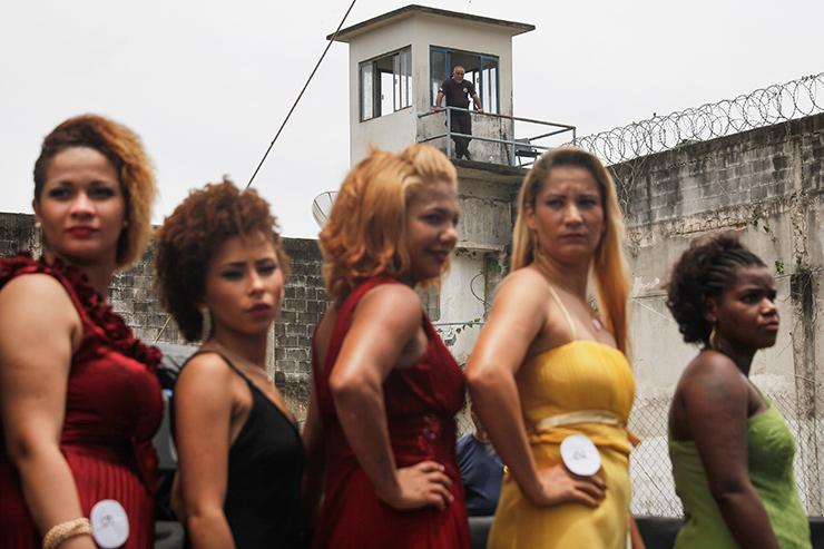 Мисс секс символ среди заключенных