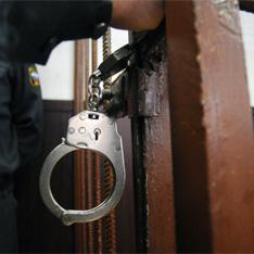 Московский полицейский задержан за изнасилование. Полицейские задержали пьяного коллегу на месте преступления