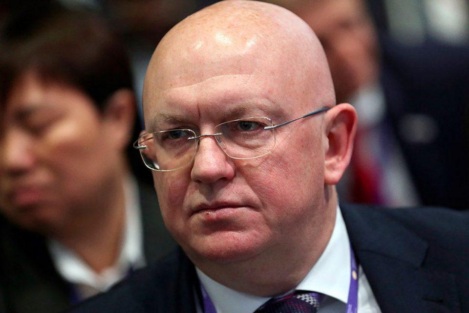 Российский дипломат одним вопросом заставил замолчать британцев, обвиняющих Россию в отравлении перебежчика Скрипаля