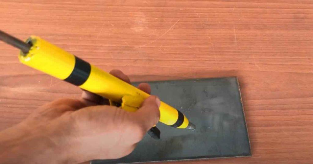 Полуавтоматический кернер по металлу своими руками