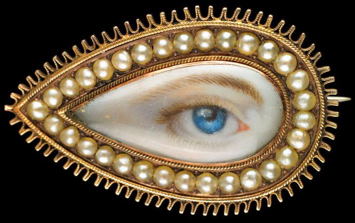 Миниатюра с глазом возлюбленной девушки. | Фото: pinterest.com.
