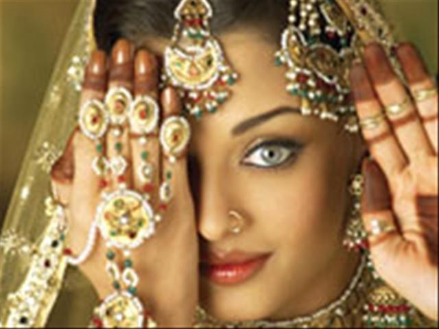 Потрясающий индийский танец в исполнении несравненной Айшварии Рай