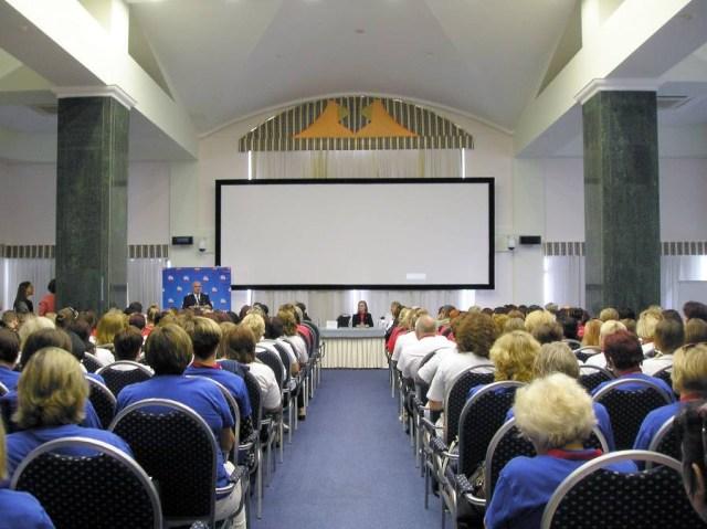 Крымские русисты на съезде в Ялте составили флаг Крыма 2