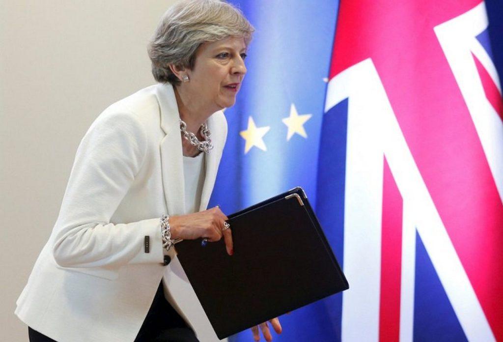 Новичок 2.0: как новое отравление в Британии связано с Россией, Brexit и отставкой Мэй
