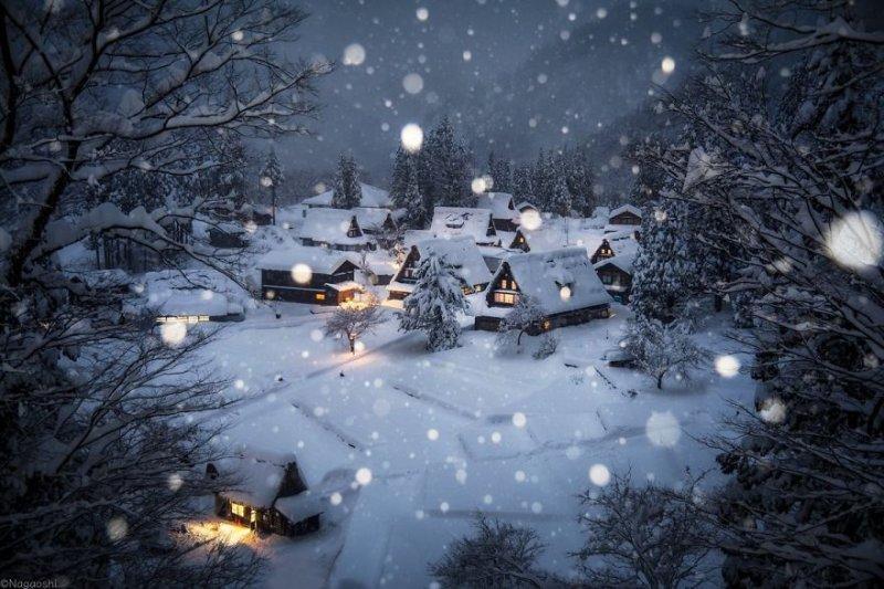 Один из самых красивых курортов Японии Гинзан Онсен зимой