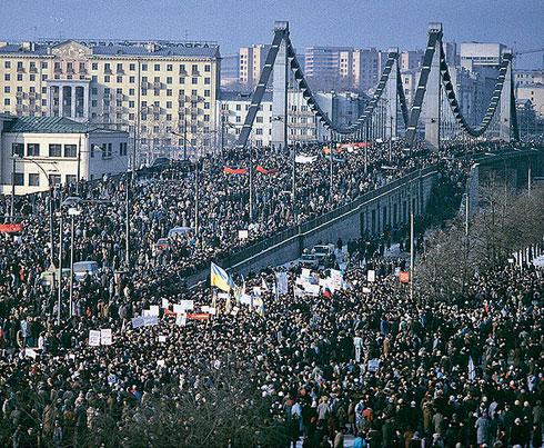 Плачущим об СССР хотелось бы напомнить где они были в 91