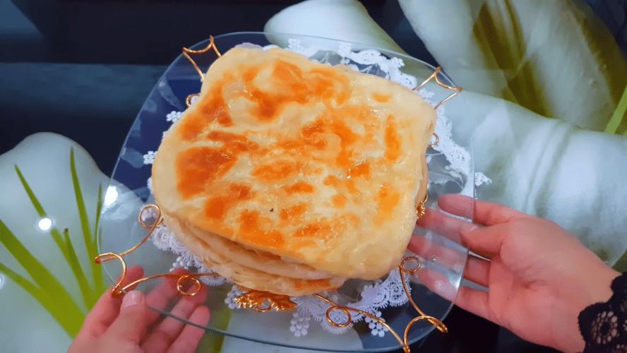 Ароматные и простые в исполнении слоистые лепешки на кипятке выпечка