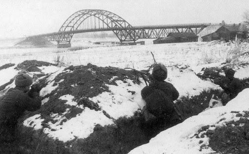 Мост: очерк Гайдара из действующей армии 1941