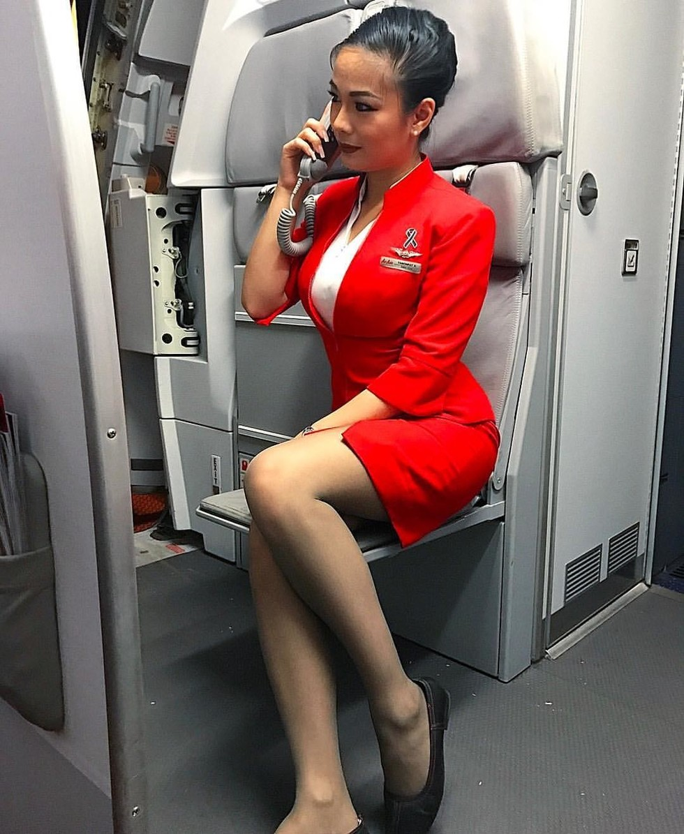 Голые стюардессы онлайн всё