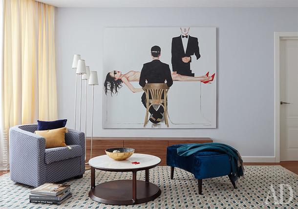 Гостиная. Мебель под ТВ, Pianca; кофейный столик, LeHome. Портреты Маши Янковской. Керамика ручной работы, SavorDesign.