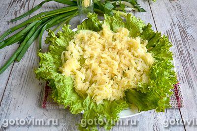 Слоеный салат с блинами «Букет роз», Шаг 02