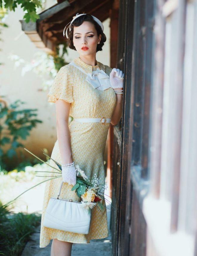 Милая леди, одетая в стиле 50-х годов