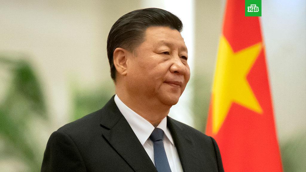 Председатель КНР Си Цзиньпин по телефону поздравил Владимира Путина ивсех россиян с75-летием победы вВеликой Отечественной войне. Политика