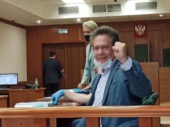 """Лидер движения """"За новый социализм"""" Платошкин госпитализирован из суда"""