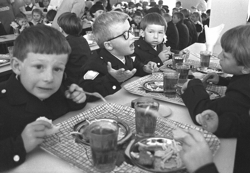 О бесплатном питании школьников в СССР