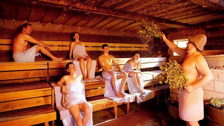 Секс видео молодой баня утреннего